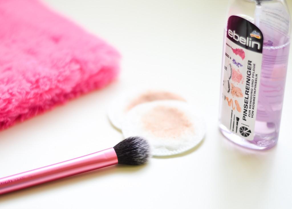 spray-pentru-curatarea-pensulelor-produse-dm-ebelin-3