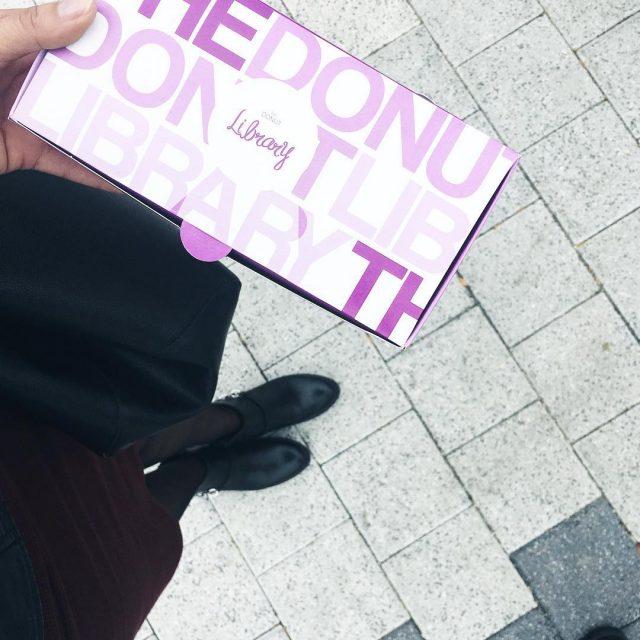 Donuts thedonutlibraryromania letsbegorgeusstylegorgeouspinkbbloggersrobbloggerbeautybloggerstylebloggerinstastyleinstadailyinstafashiondonutsyummydeliciousootdfashionaddictfashionkillafashionablefashionblogger Citeste mai mult